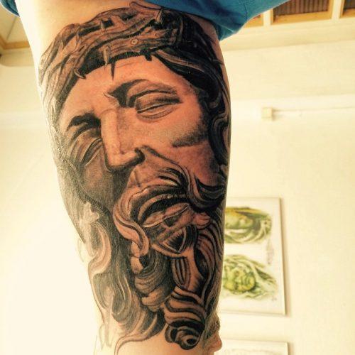Jesus tattoo tatovering black and grey