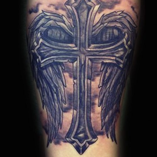 Kors med vinger tatovering cross with wings tattoo
