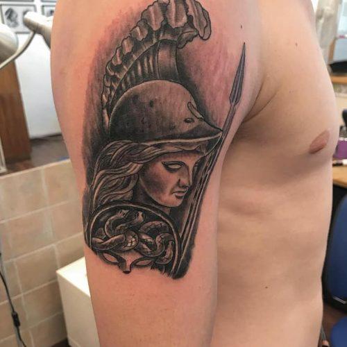 Vixen amazone tattoo tatovering black and grey skygger